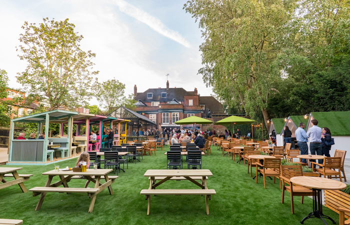 The Duke of Kent pub Ealing beer garden