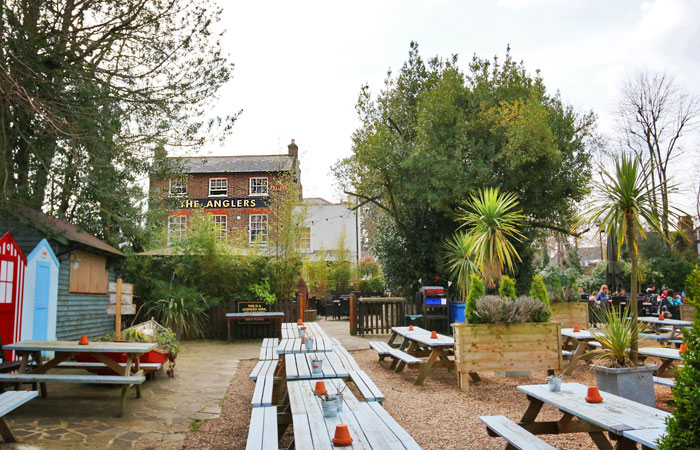 The Anglers beer garden Teddington pub