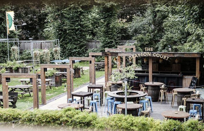 The Drayton Court Ealing beer garden and garden bar