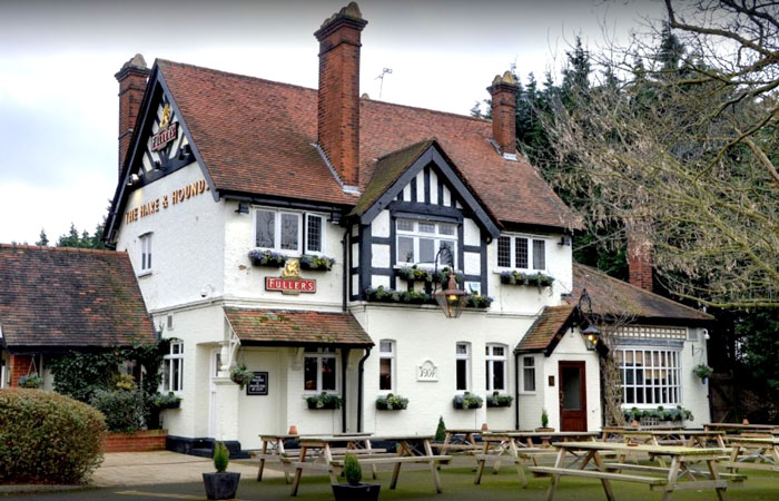 Pubs with play areas and playgrounds The Hare and Hounds Osterley