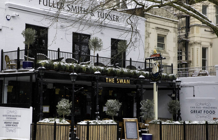 Sunday roasts at the swan, hyde park london