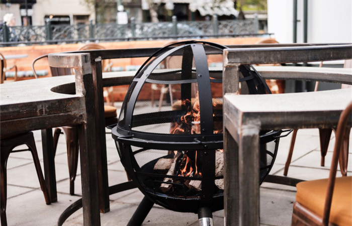 The best pubs with fireplaces in London - The Red Lion, Barnes outdoor fire pit